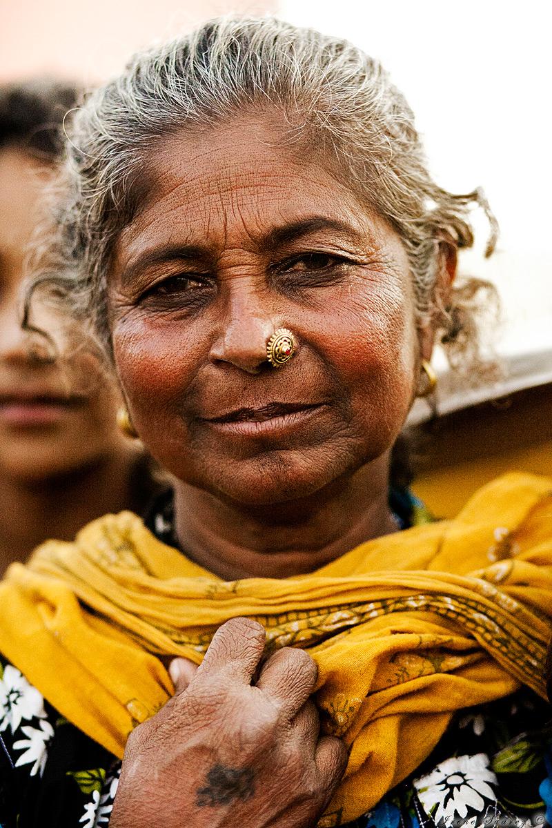 Retrato de anciana indu