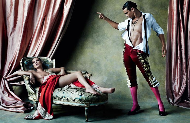 kate-moss-jose-mari-manzanares-by-mario-testino-vogue-spain20
